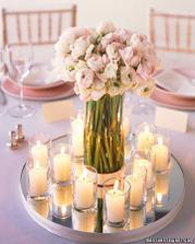 a kytice aj so svieckami na stoly ale v bielom...