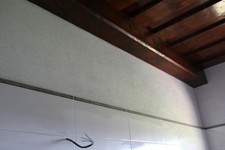 Tramovy strop, bungalow - Detail na listelu a strop