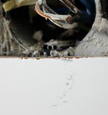 Ako vyčistiť dlaždicu od ošúchania flexou? Riesenie: jemne brusna pasta (na autolaky)