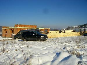 30.11.2010 - Tak 3 mes. sme cakali na drbnutu elektrinu! Teraz mozme robit v snehu! Jaaaj!!!!
