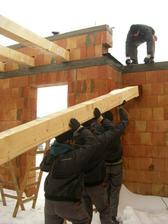 2.12.2010 - chlapi makaju v tazkych podmienkach bez odvravania