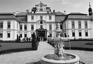 černo bílé Jemniště:)