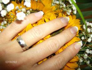 Moje svatební nehtíky a snubní prstýnek