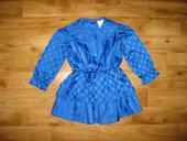 Modré šaty, 92