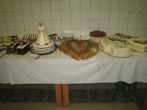 tu sú naše tortičky...