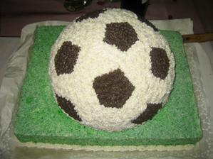 a ďalšia pre ženícha futbalistu