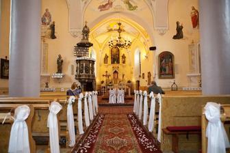 ... výzdoba v kostole ... skutočnosť ... :)