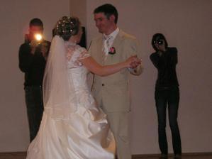 ...nas prvy manzelsky tanec...
