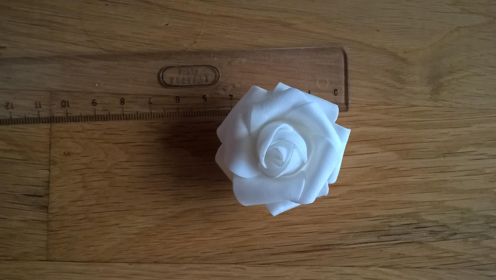 biele penove ruzicky 4,5cm - Obrázok č. 3