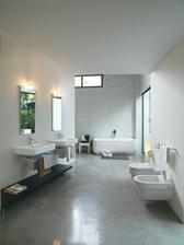 Umyvadlo i WC máme ze série Laufen Form