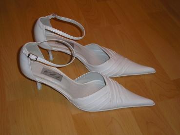 Čo postupne pribúdalo - Moje svadobné topánočky