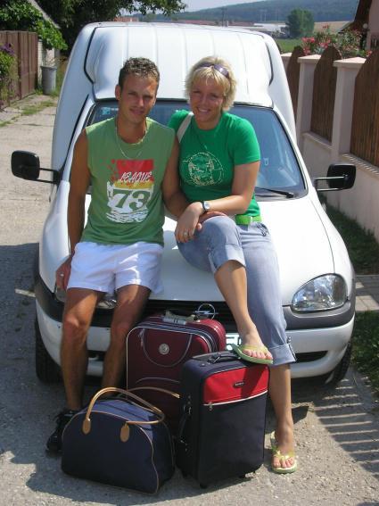 Martina Morávková{{_AND_}}Peter Otrísal - A ide sa na svadobnú cestu