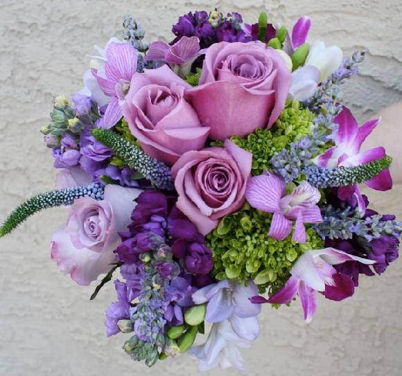 Fialova Svatebni Kytice Ktere Kvetiny Poradite
