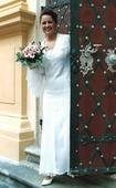 Krajkové svatební šaty princessového střihu, 40