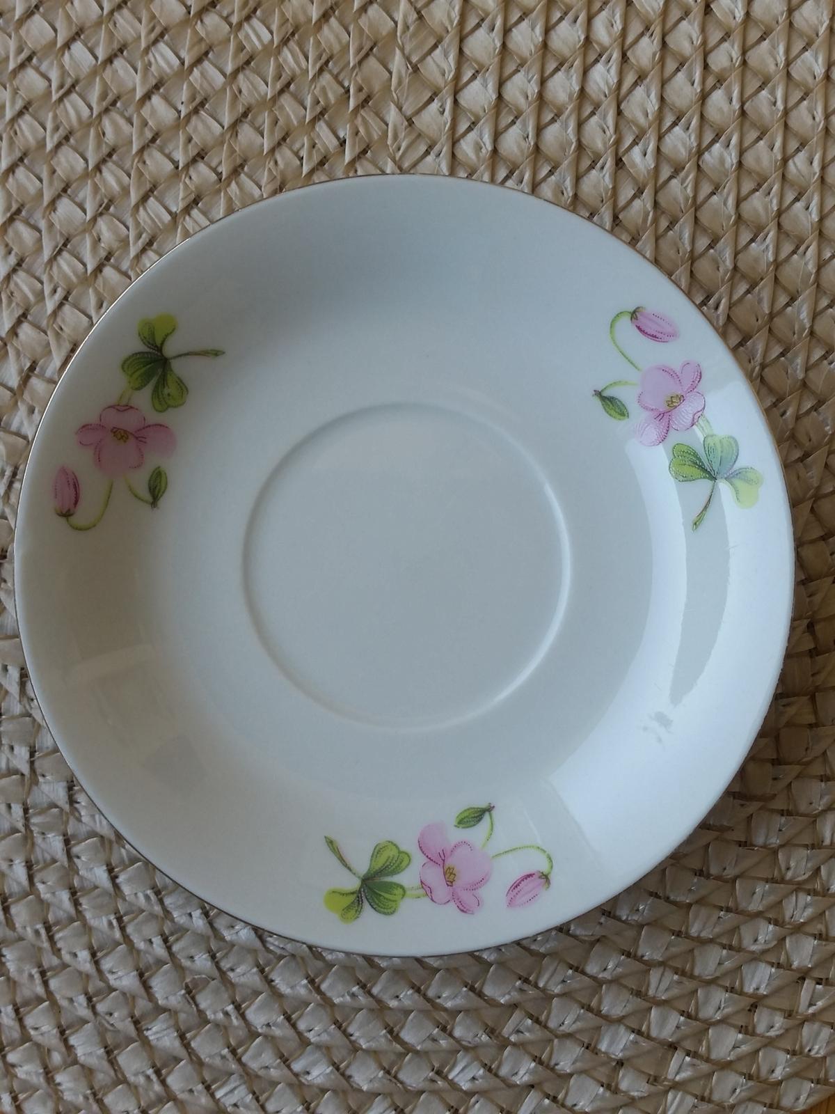 porcelánový hrneček  s trojlístky - Obrázek č. 2