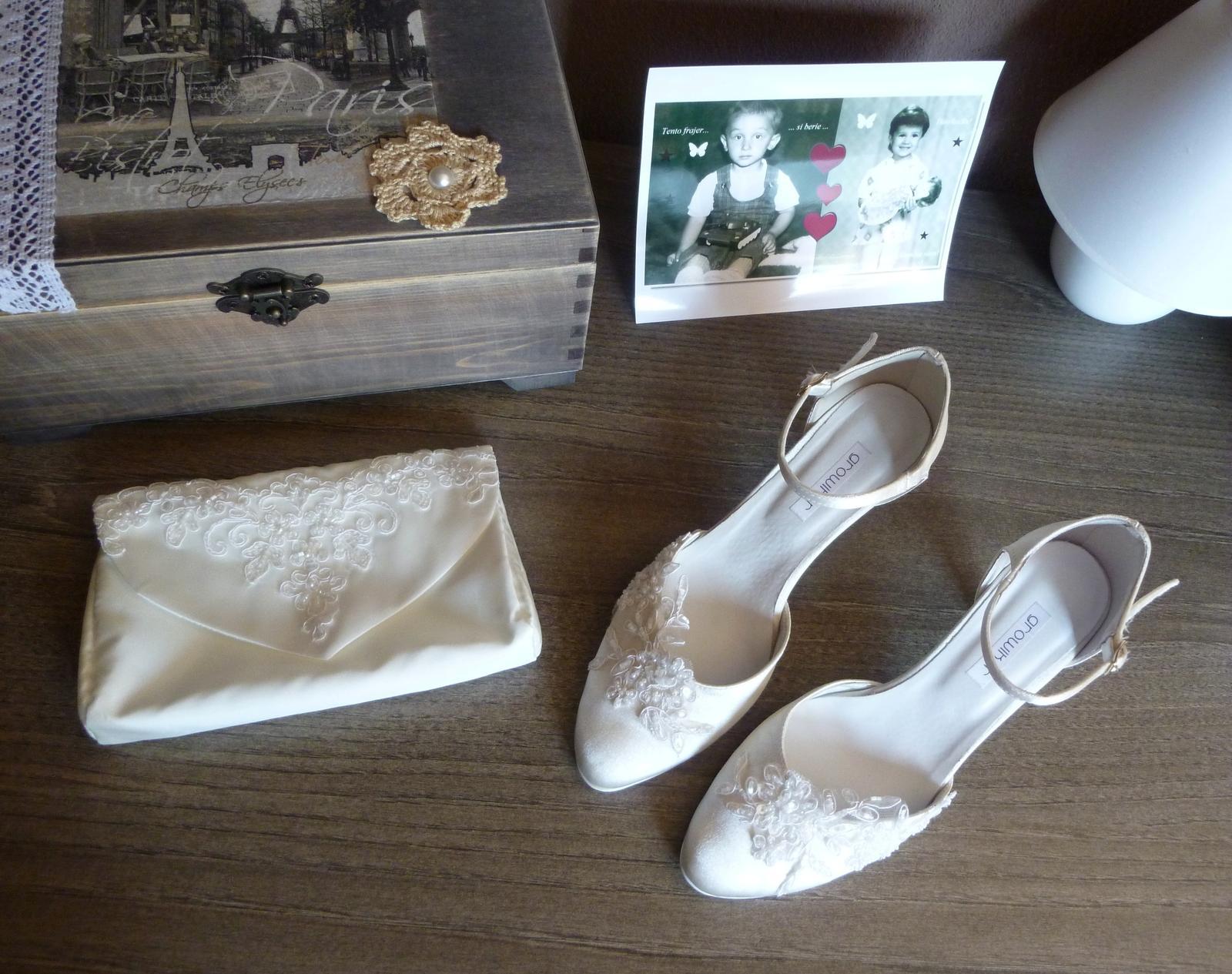 Naša romantic-rustic svadba ♥ - Topánočky a kabielka...:-)