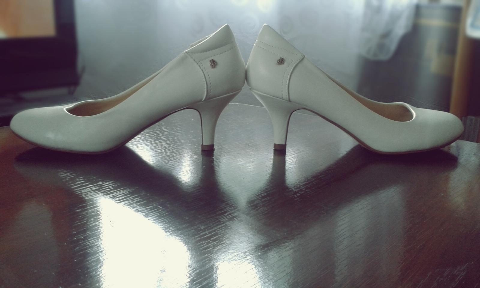 ♥ 👠 Svadobné topánky nevestičiek z MS 👠 ♥ - @its1mishell :-)