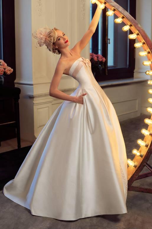 Najromantickejšie šaty všetkých čias 👰 - Obrázok č. 27