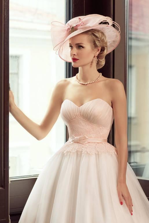 Najromantickejšie šaty všetkých čias 👰 - Obrázok č. 34