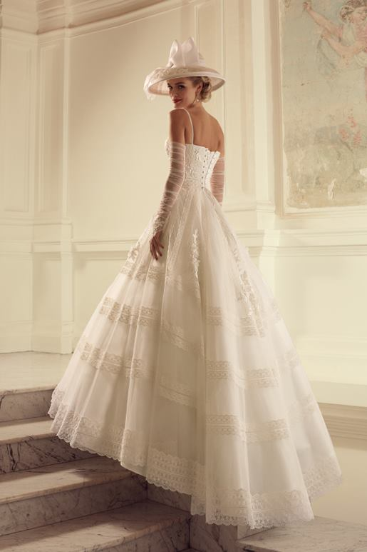 Najromantickejšie šaty všetkých čias 👰 - Obrázok č. 37