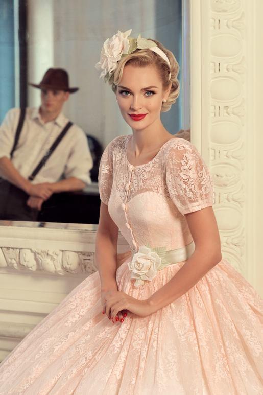Najromantickejšie šaty všetkých čias 👰 - Obrázok č. 39