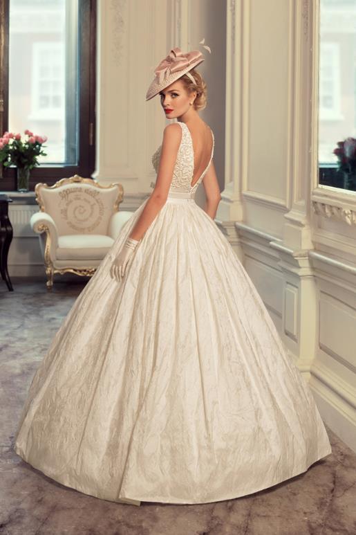 Najromantickejšie šaty všetkých čias 👰 - Obrázok č. 59