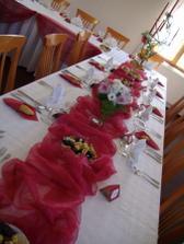 výzdoba a dekorace určo vínovo-bílé