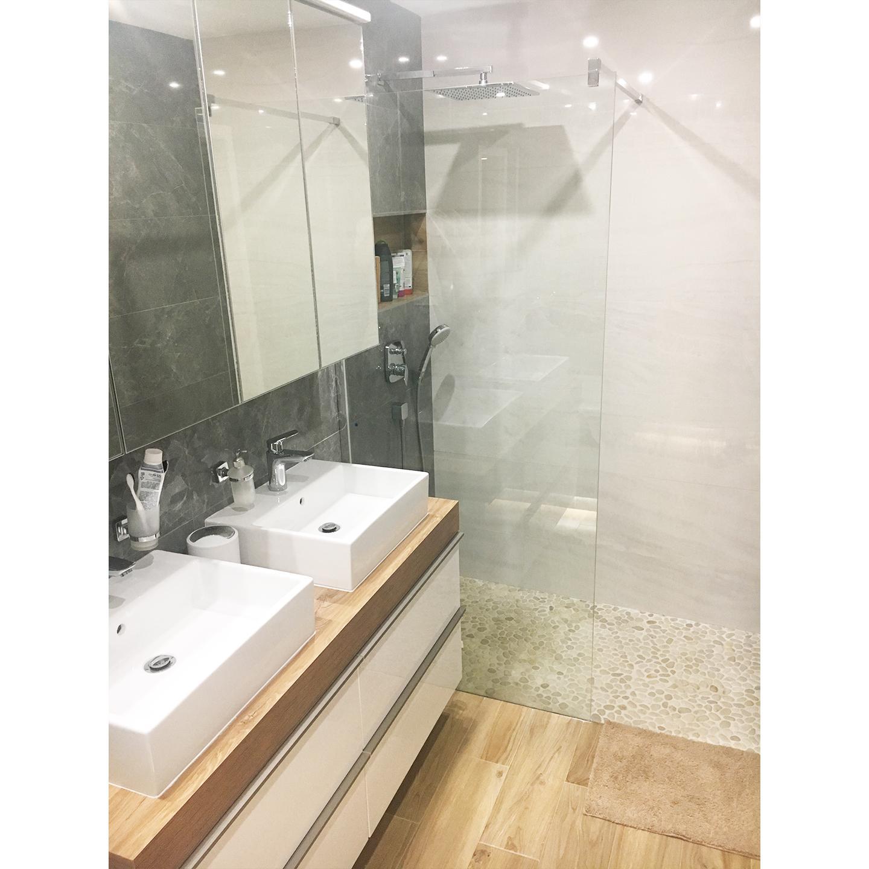 Kúpelňa PREDTÝM POTOM - nová kúpelňa v byte s 2 umývadlami, walk-in sprchovým kútom a vaňou