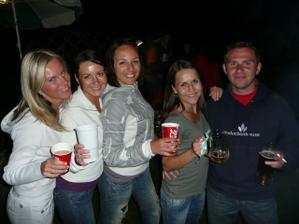 ... a hlavně jsme tam měli všechny naše zlaté kamarády, které máme rádi :-)