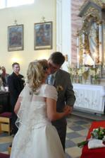 první manželský polibek nesmí chybět