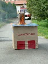 ale co se to děje, už hoří hasičárna!!!