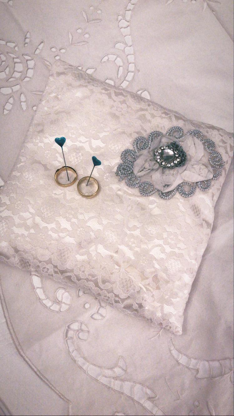 Vankúš pod prstene - biely - Obrázok č. 1