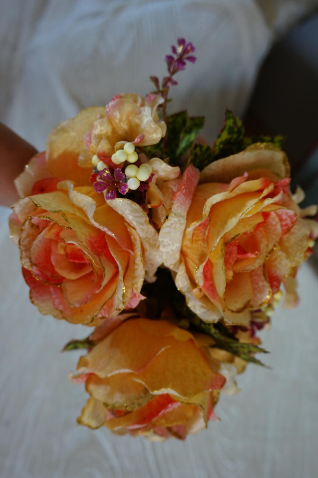 kytica ruží - Obrázok č. 1
