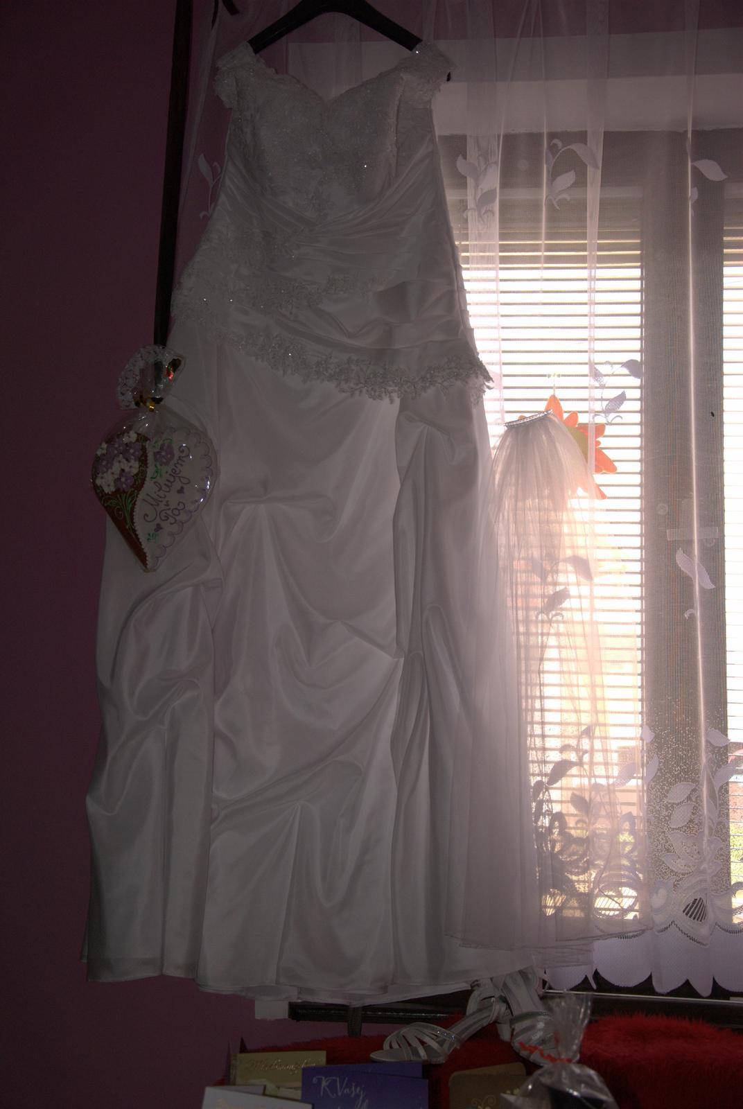 Svadobné šaty pre plnšie nevesty - Obrázok č. 3
