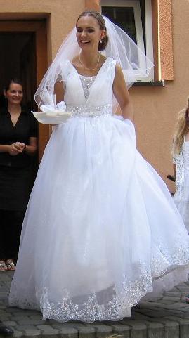 svatební princeznovské šaty 38-42 - Obrázek č. 2