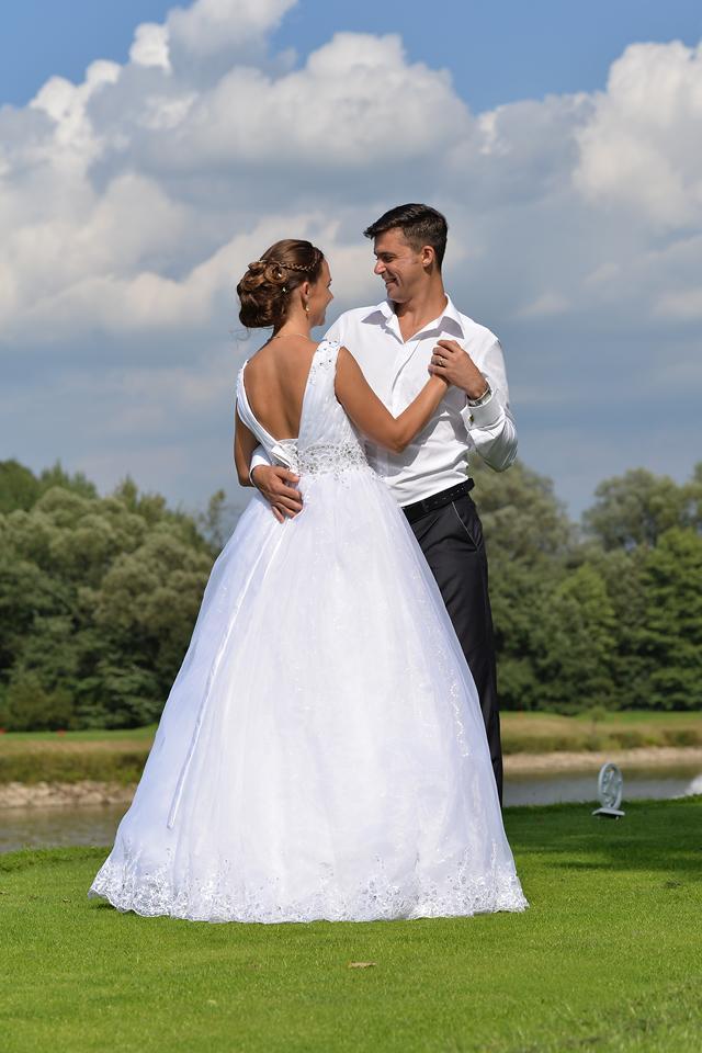 svatební princeznovské šaty 38-42 - Obrázek č. 3