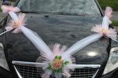 Svadobná dekorácia auta,