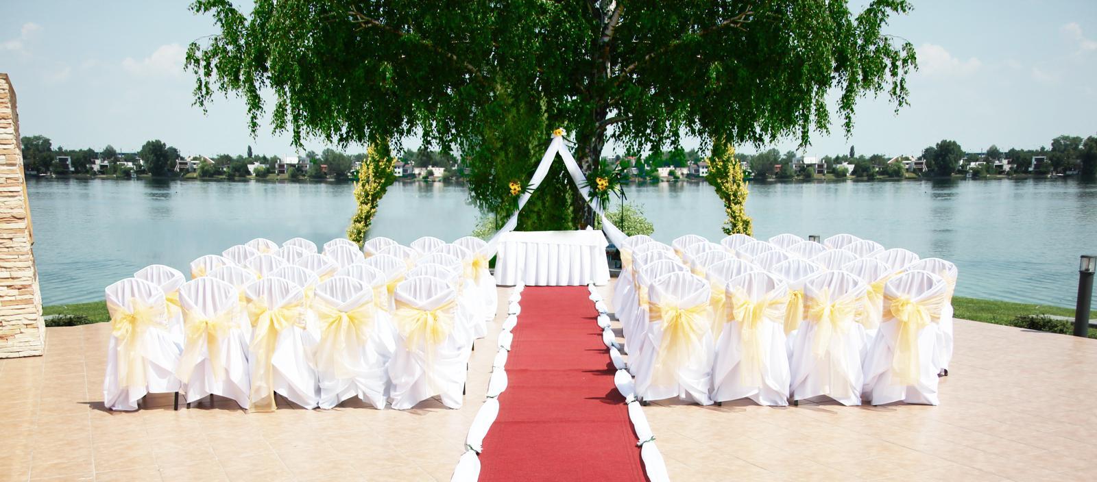 hotel_senec - Obrad na terase pri jazere