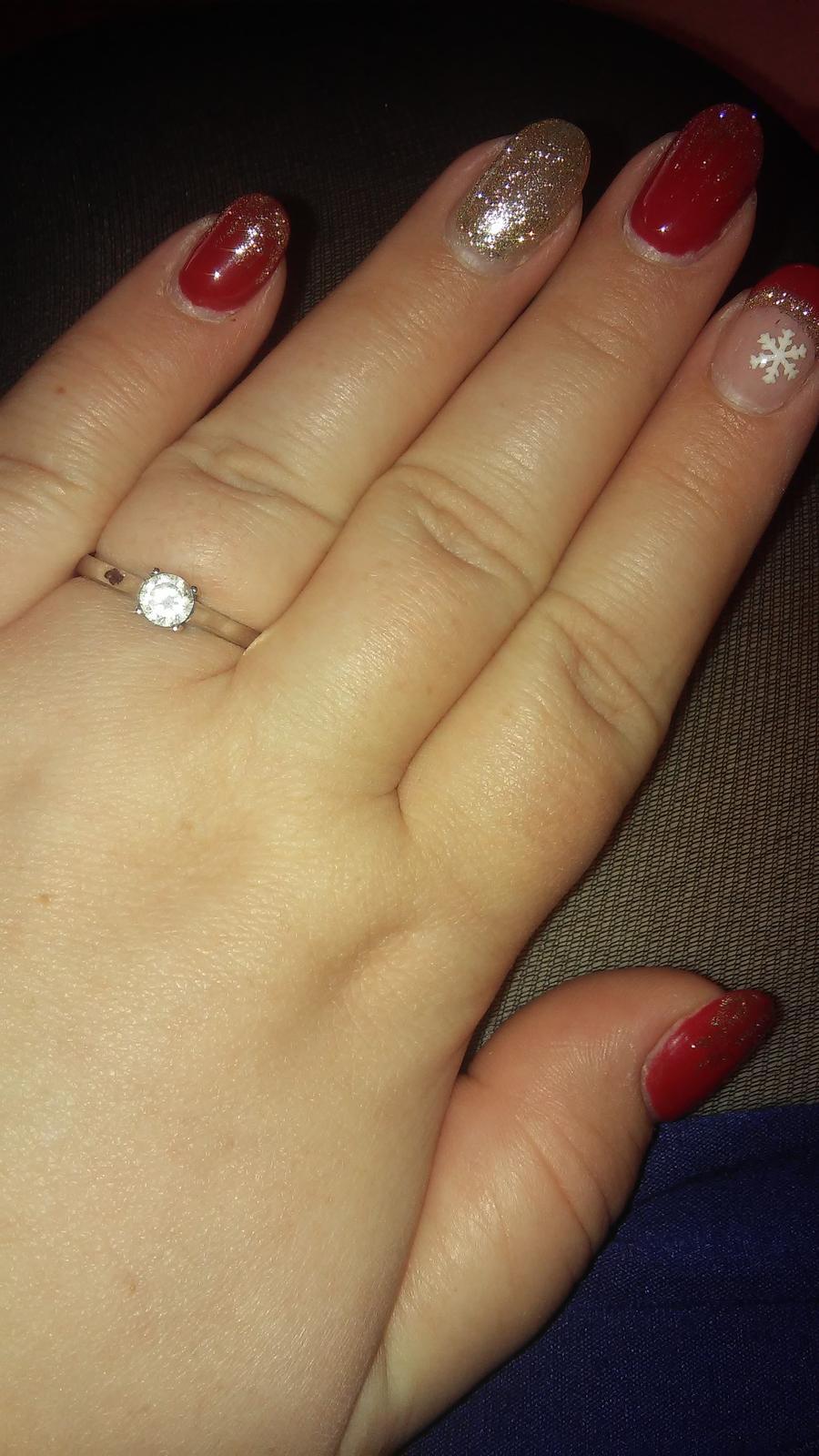 Se zásnubním prstýnkem se... - Obrázek č. 2