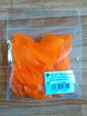 Oranžová peříčka,
