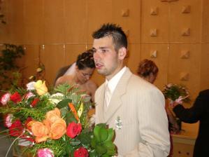 Svědek ženicha, jeho bratr. Perfektně se o vše staral. Děkujeme