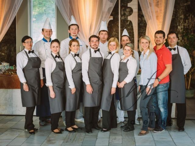Pomaličky sa blížime k cieľu nášho začiatku :) - Jedlo a prípravy sú zverené do  rúk obrovských profesionálov z F&M catering v Bardejove.