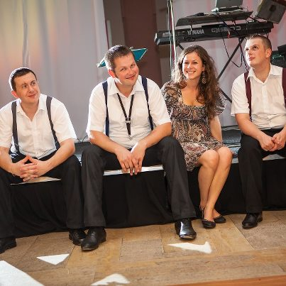 Pomaličky sa blížime k cieľu nášho začiatku :) - Do tanca nám zahrá moja obľúbená skupina PROBLEM :)
