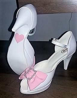 Pomaličky sa blížime k cieľu nášho začiatku :) - Moje dokonalé topánočky podľa seba :)