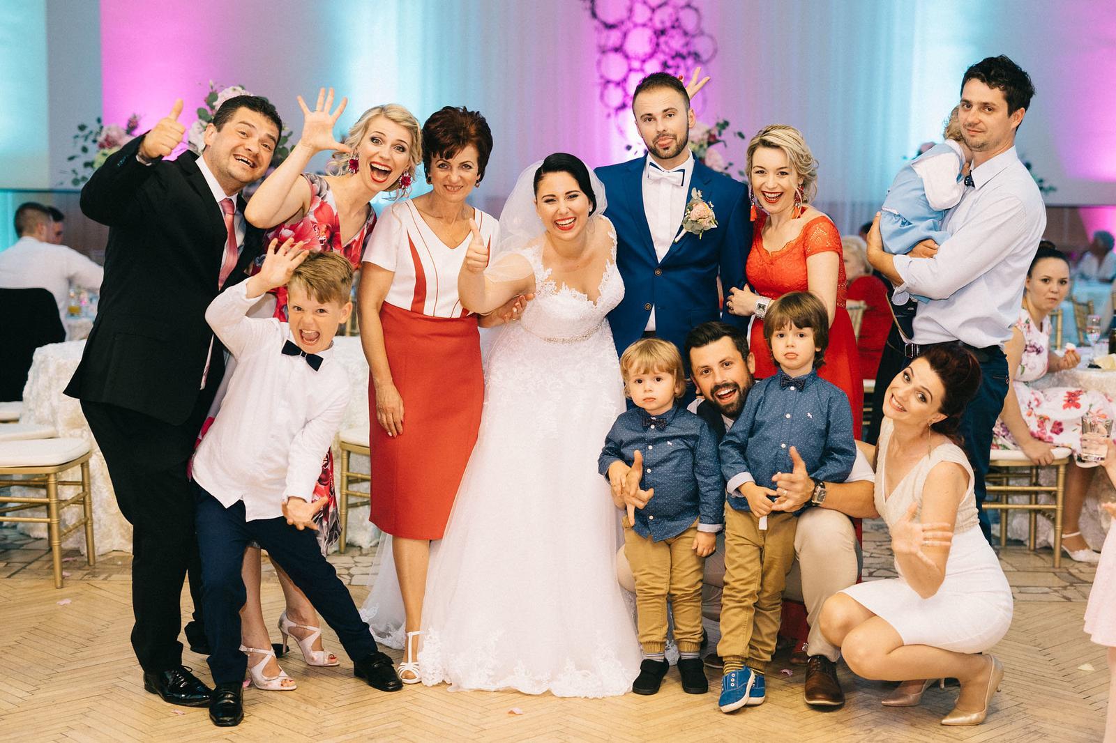 Daniela {{_AND_}}Tomáš - Moja úplne normálna rodinka :D Mamka a súrodenci s rodinkami :)