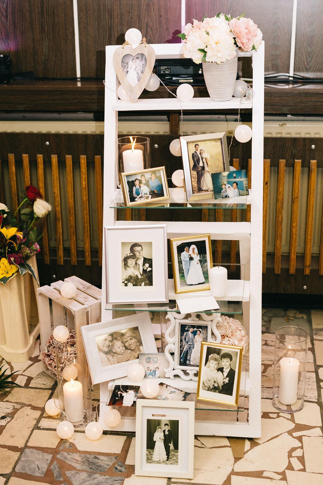 Daniela {{_AND_}}Tomáš - Šesť rodinných svadieb z minulosti na našej svadbičke :)
