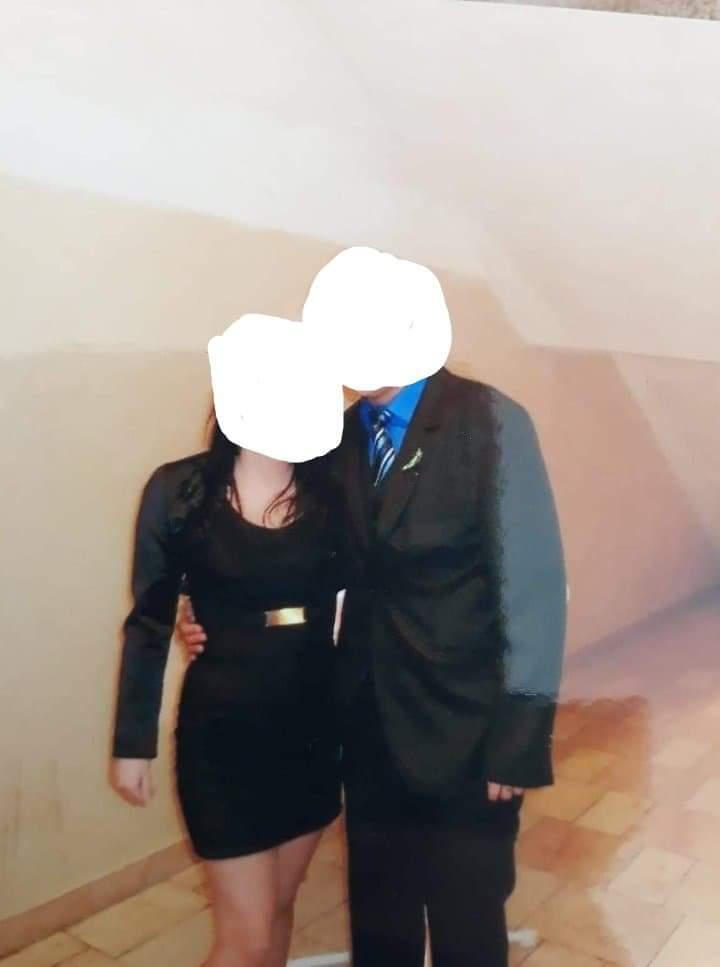 Koktejlove šaty - Obrázok č. 1