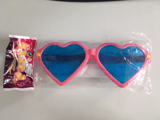 Růžové velké brýle ve tvaru srdce - Obrázek č. 1