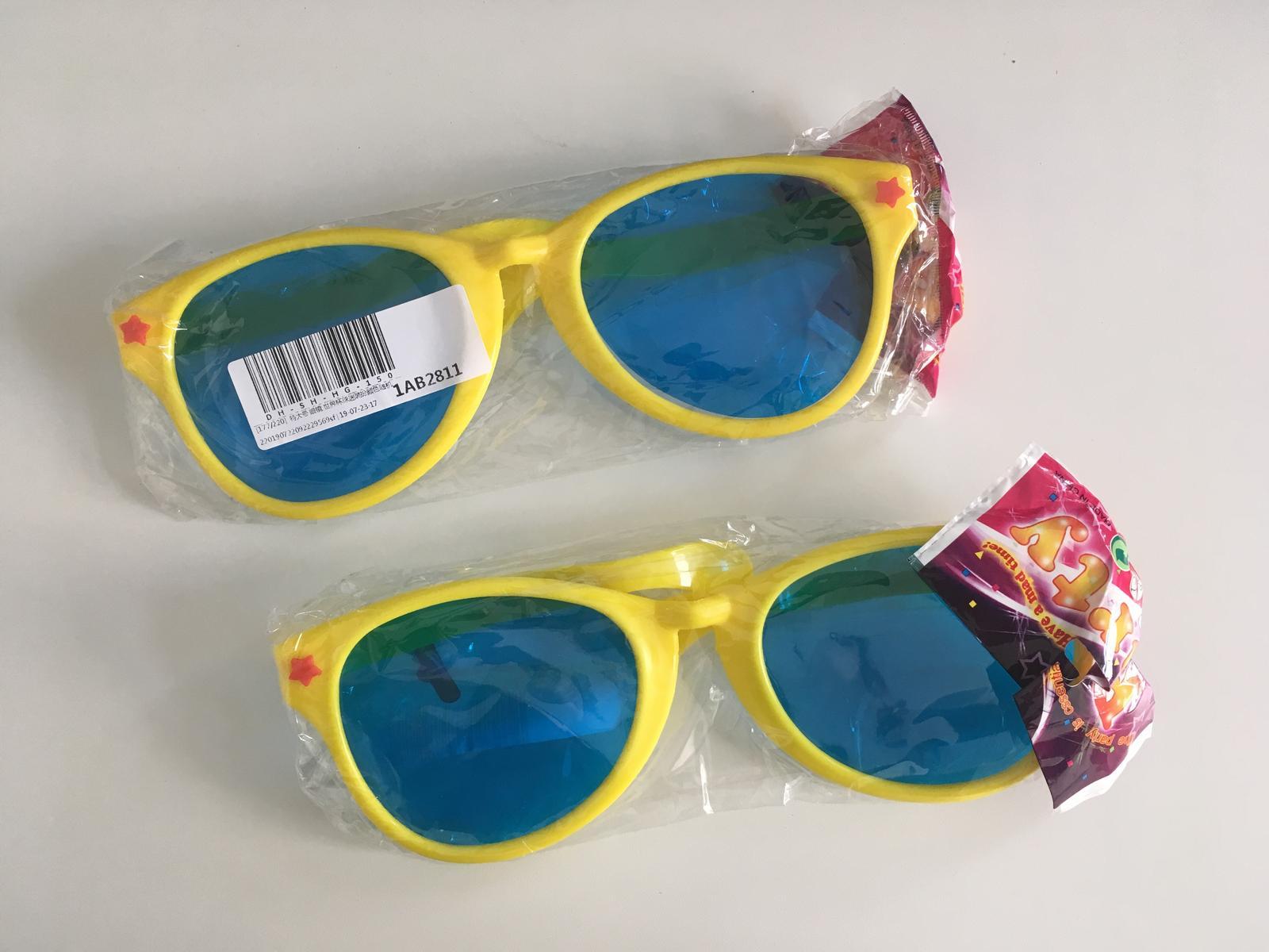 Žluté velké brýle - Obrázek č. 1