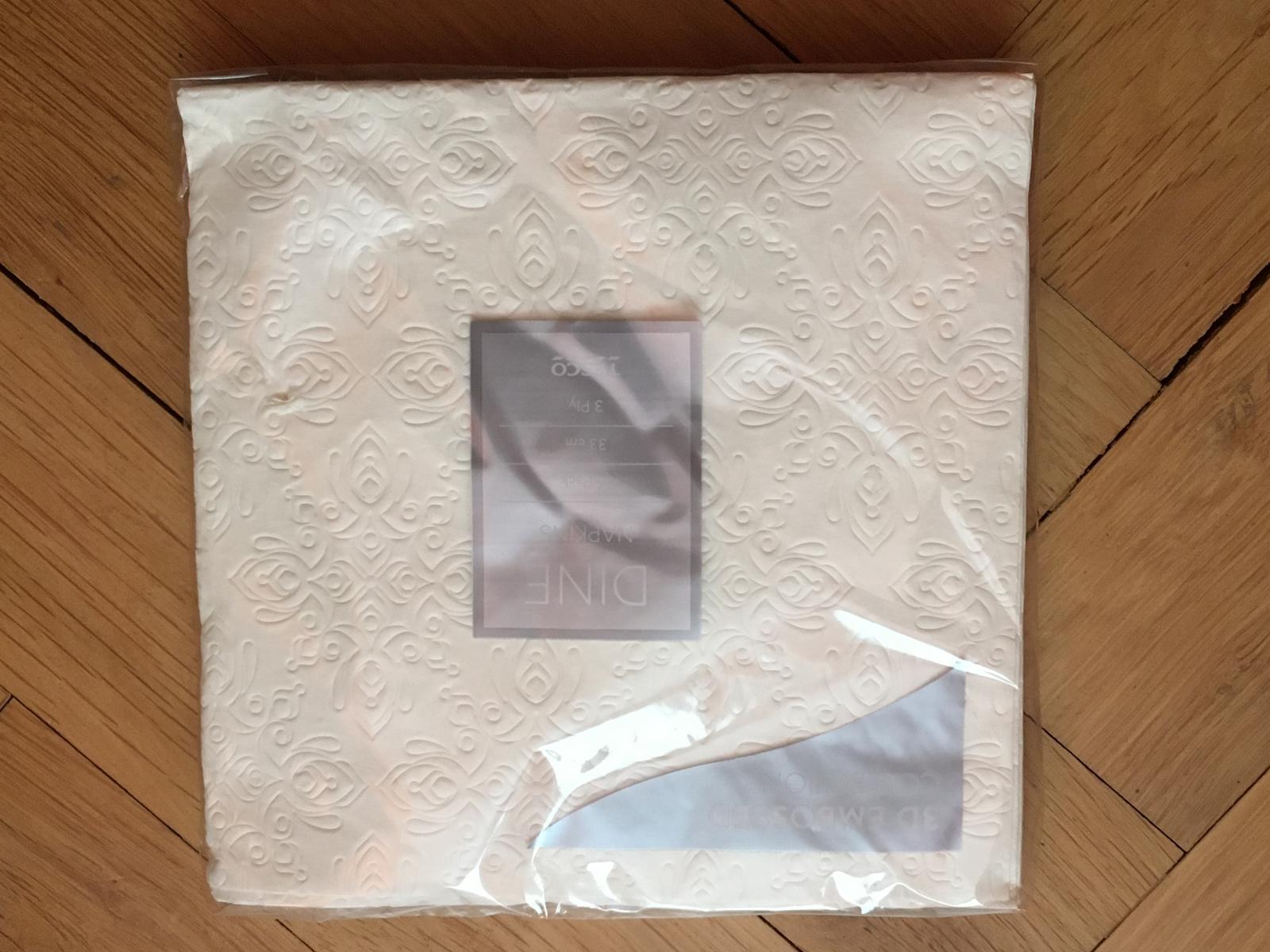 Papírové ubrousky s vytlačeným vzorem - Obrázek č. 1